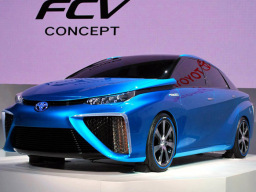 上海车展迎30周年 车企新能源互联网+唱主角