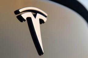 巴克莱分析师:特斯拉2023年或推2.5万美元平民级电动车