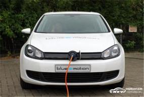 """新能源汽车拓展新思路 """"下乡""""遇到低速电动车"""