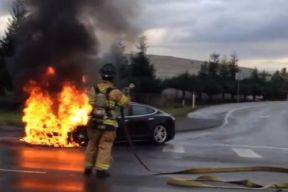 全球电动汽车起火事件回顾 公众反应日渐平和