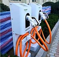 青岛政府机关最大新能源汽车充电站在李沧启用