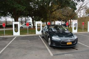 Model S驾驶记:超级充电会削减电池容量吗?