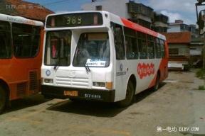 云南五龙汽车制造的纯电动大巴车明日下线