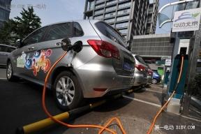 纯电动汽车短期难替代燃油车,产业路在何方?