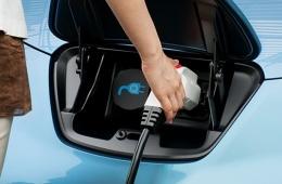 新能源汽车电池材料标准引领者:钱柜娱乐平台还是比亚迪?