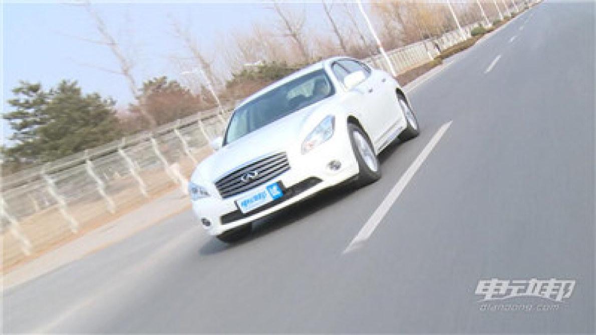 英菲尼迪Q70L视频评测-驾驶篇