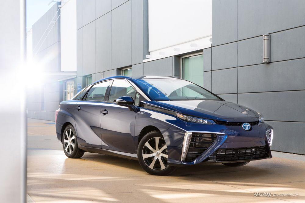 丰田氢燃料电池汽车Mirai
