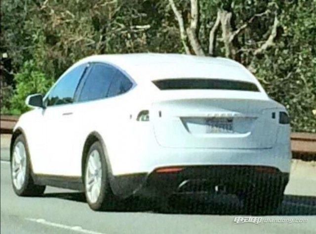 特斯拉纯电动SUV Model X