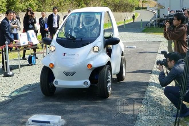 日本研发首辆无电池电动汽车 采用特殊轮胎