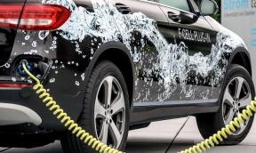 奔驰GLC氢燃料电池车2017年问世 续航500km