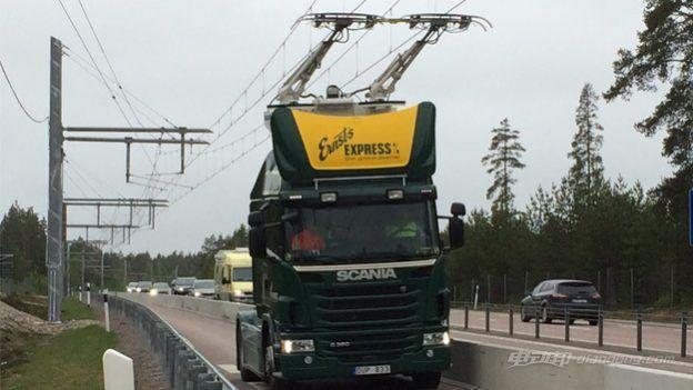 瑞典测试把火车电气化技术应用到汽车上,打造续航力无限的电动车