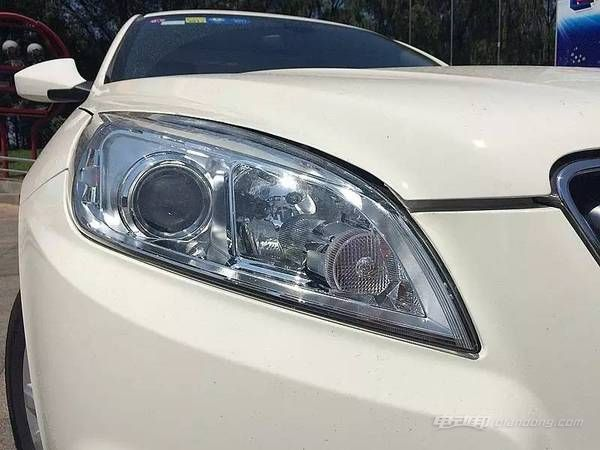 eu260国产纯电动汽车2
