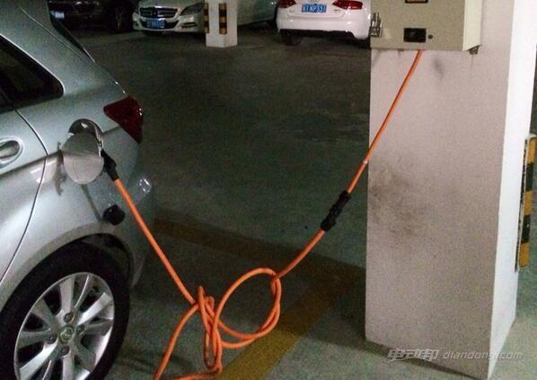 电动汽车哪里充电:自建充电桩