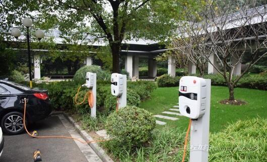 电动汽车哪里充电:星星充电