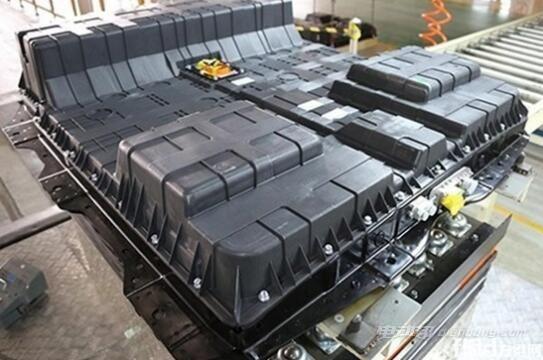 三元锂电池在充放电时负载电流更大