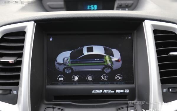 相比燃油版逸动,增加了预约充电,远程控制充电和远程启动空调等功能.
