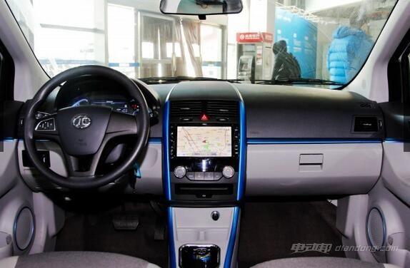 北汽报价:EV200 轻快版内饰