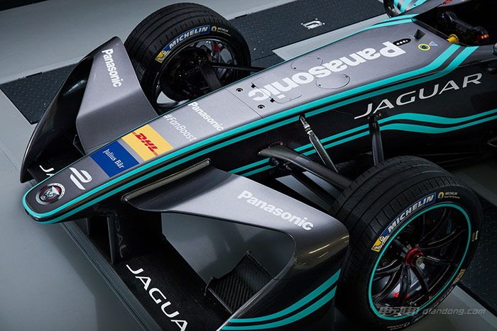 panasonic-jaguar-racing-i-type-nose