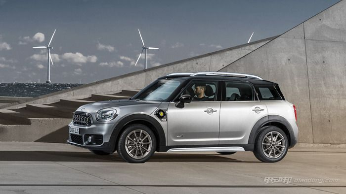 2017-mini-countryman-phev_副本