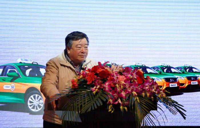 原国务院参事、中国可再生能源学会理事长石定寰致辞