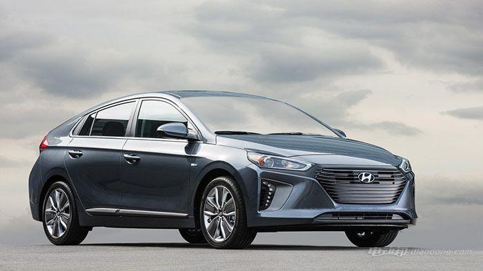 2017-hyundai-ioniq-hybrid-1