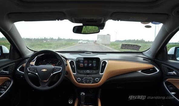 配置方面,迈锐宝XL混动版配备有侧盲区报警、后方交叉路口提醒、前方行人侦测与刹车辅助系统等安全性配置。此外,新车标配安吉星车载4G LTE、车载Wi-Fi、BOSE音响等舒适性配置,中控台8英寸多点触控彩色液晶屏搭载有新MyLink智能互联系统,并支持Apple CarPlay功能。 新能源汽车雪佛兰迈锐宝XL混动版:动力