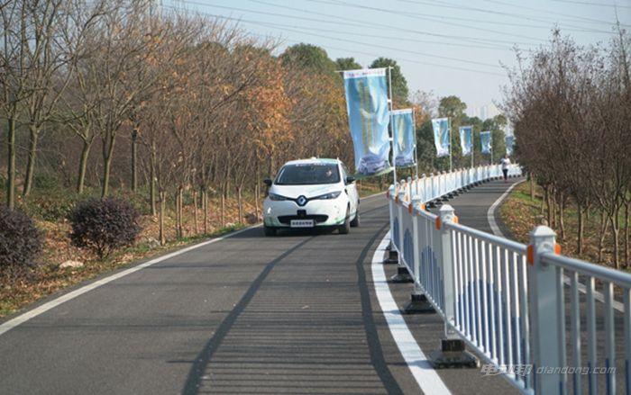 雷诺ZOE纯电动自动驾驶原型车