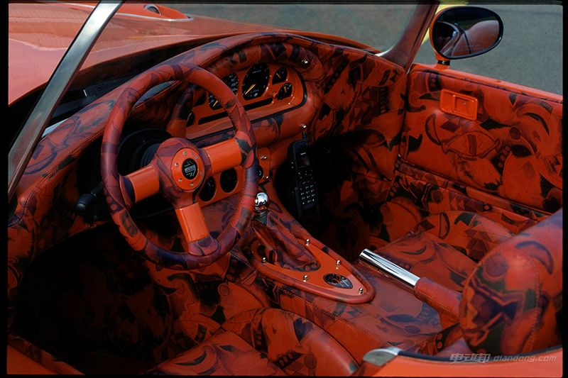 roadster_interior(1)