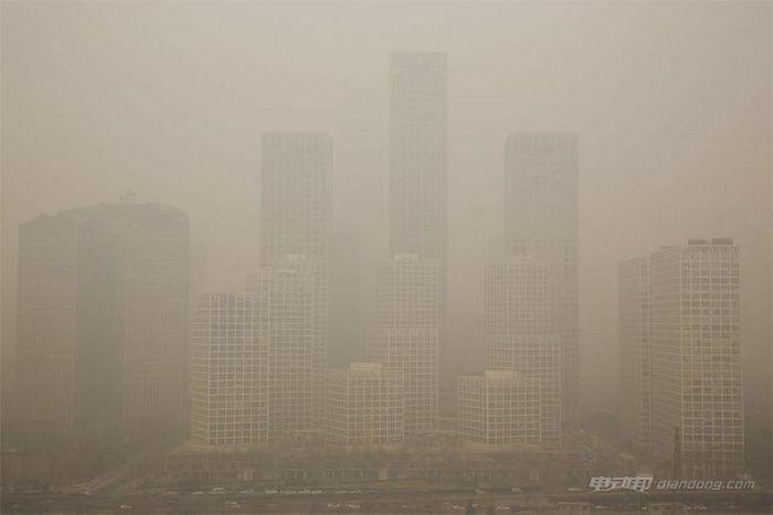 受雾霾影响 北京周边高速大面积封闭