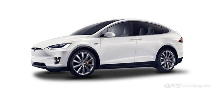 Model X意外冲进客厅 加州车主起诉特斯拉