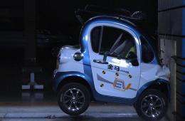 骨折都算最轻的 低速四轮电动车碰撞测试