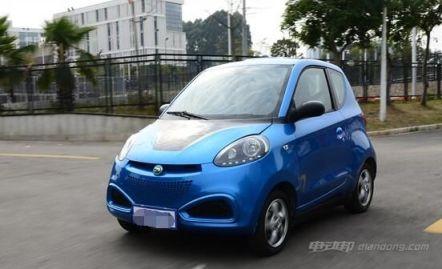 电动汽车知豆D2S采购年货的最佳选择