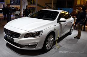 沃尔沃S60L插电式混合动力汽车的报价和图片