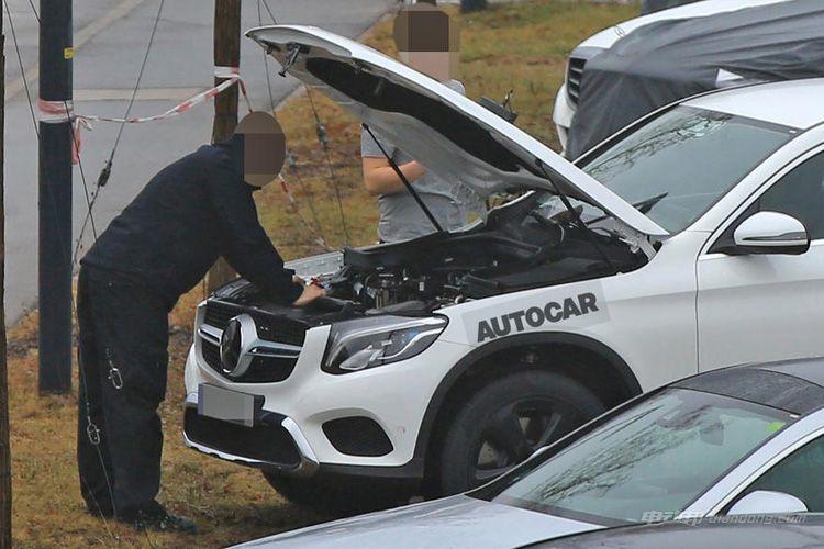 2019年推量产版 奔驰纯电动SUV测试谍照