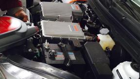 纯电动汽车如何保养?