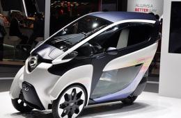 现身2030年 丰田纯电动车i-Road日内瓦亮相