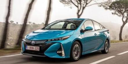 丰田新款普锐斯混合动力汽车图片及介绍