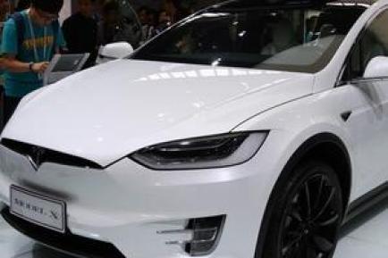 特斯拉Model X电动汽车SUV图片