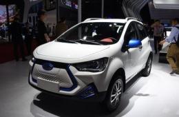基于瑞风S2mini打造 江淮iEV7E车型亮相上海车展