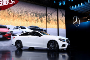 梅赛德斯-奔驰全系亮相2017深港澳国际车展