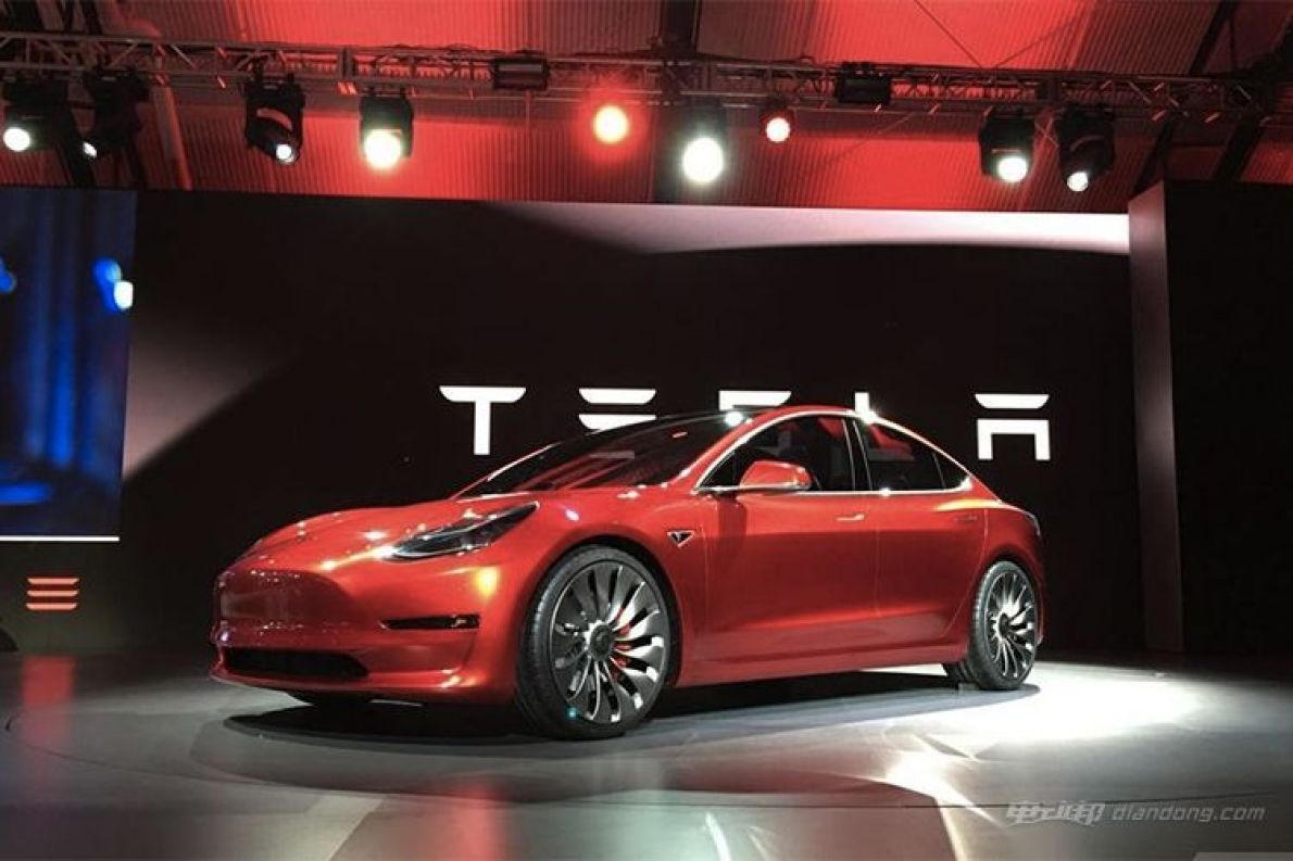 这就是马斯克想造的那辆车:特斯拉Model 3最详细试驾体验