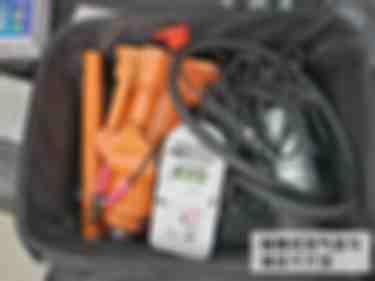便携式充气泵与液压千斤顶