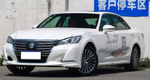 严格来说,一汽丰田皇冠是一辆正经的行政级轿车,在级别上要比上面几