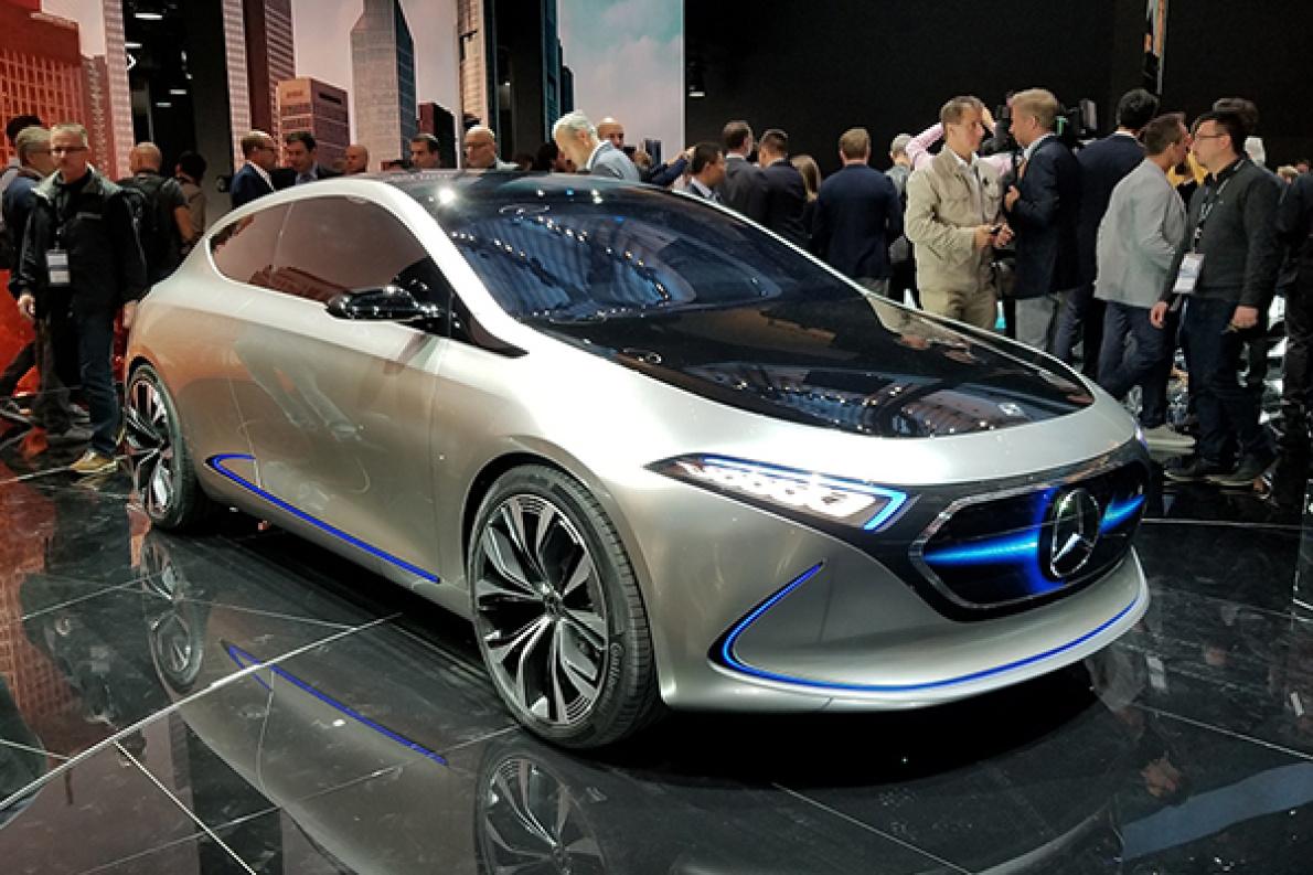 解读奔驰EQA概念车 奔驰真的要进军新能源车市场了