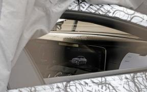 双屏设计 家族风 AMG GT Concept量产版内饰谍照