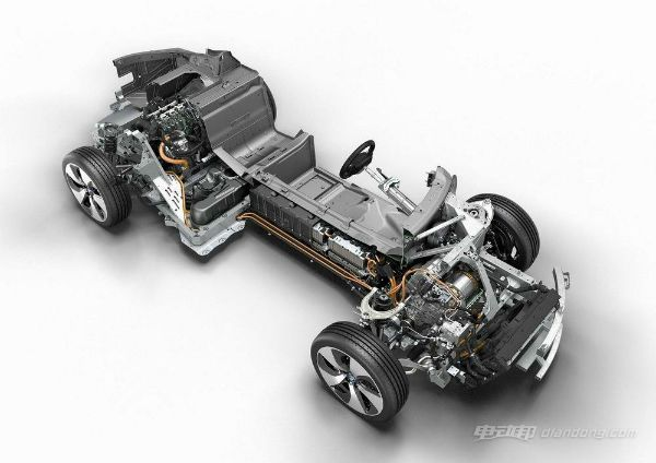 即使在发动机关闭时电动转向助力系统仍可保持操纵功能,提供比传统