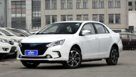 比亚迪秦EV300,报价及车型介绍