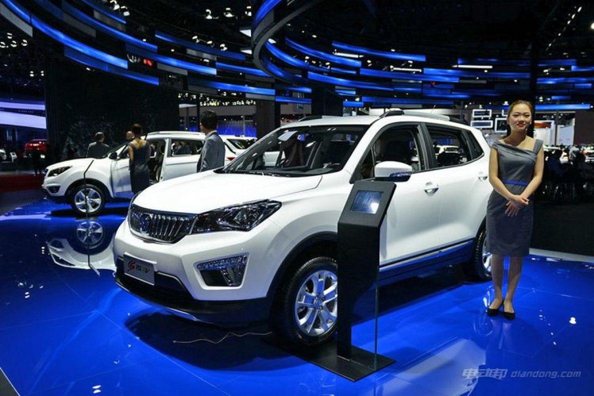 长安CS15 EV正式上市 补贴后售11.9万元