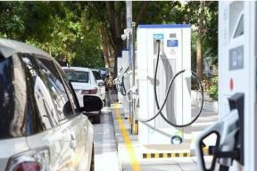 深圳首批宜停车配套充电桩投用 未来覆盖所有路边车位