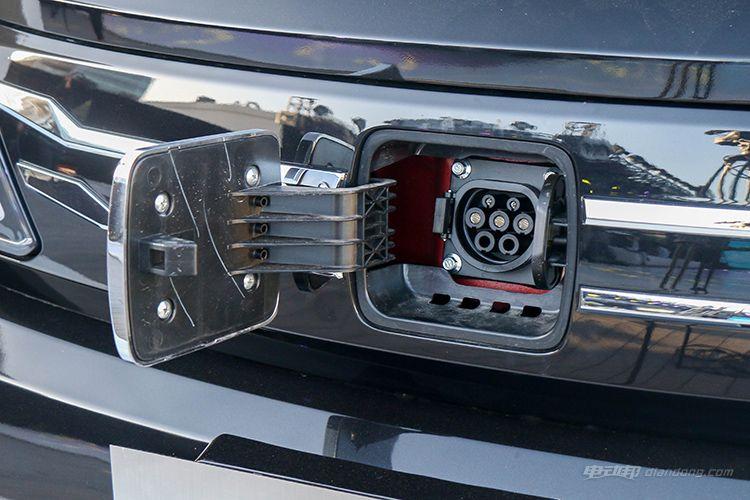 众泰E200充电接口